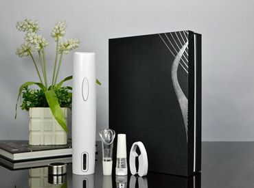 新款纸盒装 雅致白色干电池电动开瓶器套装BY244